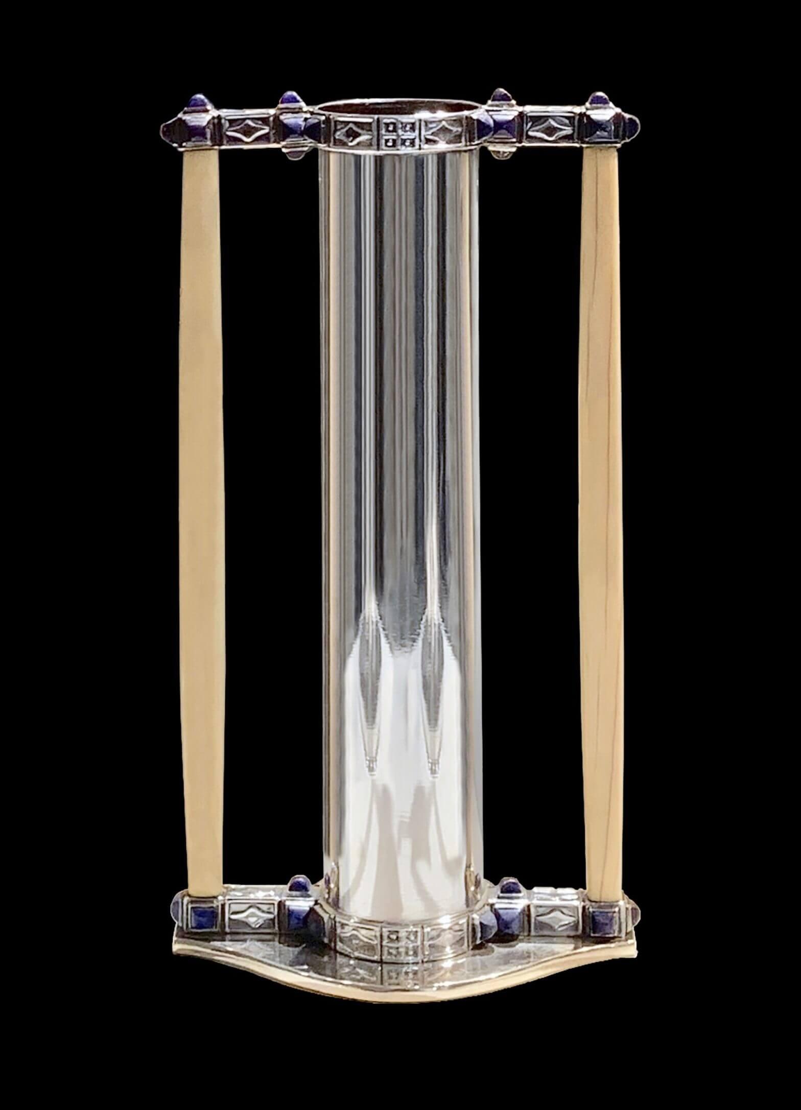 Koloman Moser - Pair of vases model N° S 598, Ivory, Lapis Lazuli, Neue Galerie, New-York